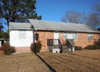 Foreclosed Home in Petersburg 23803 SOUTHLAWN AVE - Property ID: 4337845726