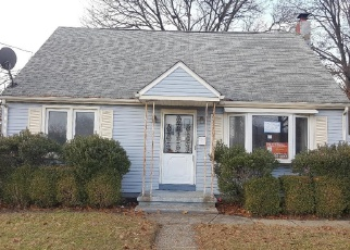 Foreclosed Home in Magnolia 08049 CAMDEN AVE - Property ID: 4337974936