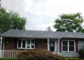 Foreclosed Home in Ronkonkoma 11779 1ST ST - Property ID: 4337987630
