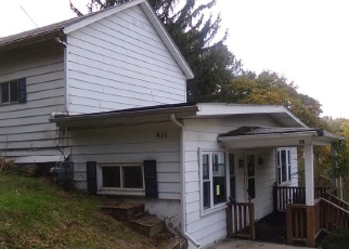 Foreclosed Home in East Liverpool 43920 ARMSTRONG LN - Property ID: 4338039305
