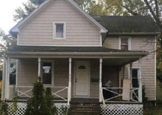 Foreclosed Home in Oceanside 11572 BROWER AVE - Property ID: 4338123395