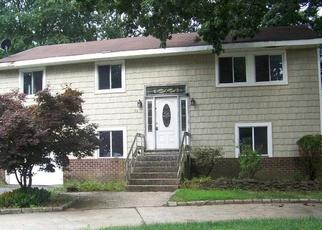 Foreclosed Home in Selden 11784 S EVERGREEN DR - Property ID: 4338160629