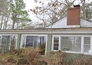 Foreclosed Home in White Stone 22578 LITTLE BAY RD - Property ID: 4338165439
