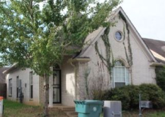 Foreclosed Home in Memphis 38134 FALLING BARK DR - Property ID: 4338187790