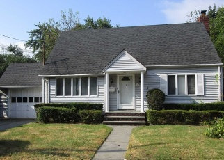 Foreclosed Home in New Hyde Park 11040 CONWAY RD - Property ID: 4338368666