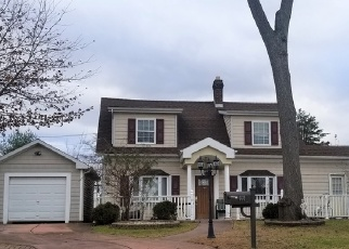 Foreclosed Home in Elmont 11003 DAUNTLESS PKWY - Property ID: 4338391438