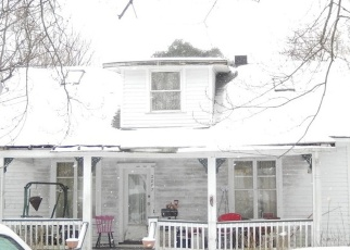Foreclosed Home in Lake Station 46405 VANDERBURG ST - Property ID: 4338486481