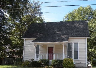 Foreclosed Home in Dyersburg 38024 AVERY AVE - Property ID: 4338511893