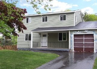 Foreclosed Home in Medford 11763 1ST AVE - Property ID: 4338549999