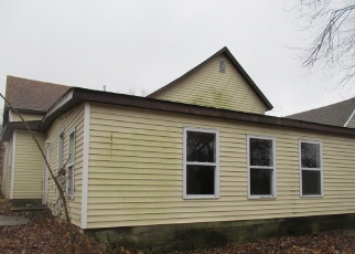 Foreclosed Home in Harrisburg 62946 E SLOAN ST - Property ID: 4338722548