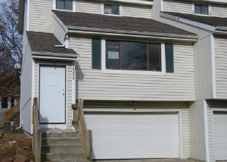 Foreclosed Home in Olathe 66061 MARTWAY CIR - Property ID: 4338788687