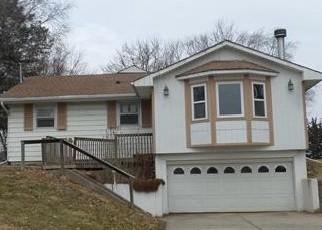 Foreclosed Home in Leavenworth 66048 DAKOTA ST - Property ID: 4338789555