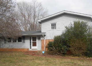 Foreclosed Home in Hopkinsville 42240 SHERWOOD DR - Property ID: 4338795242