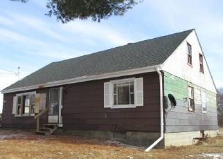 Foreclosed Home in Gloversville 12078 ELMWOOD AVE EXT - Property ID: 4338968241
