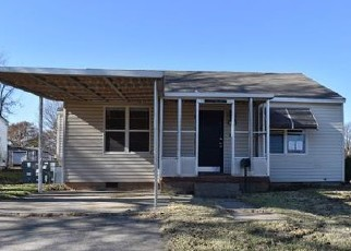 Foreclosed Home in Chickasha 73018 S 8TH ST - Property ID: 4339022112