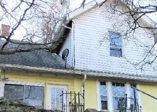 Foreclosed Home in Clairton 15025 N 6TH ST - Property ID: 4339049715