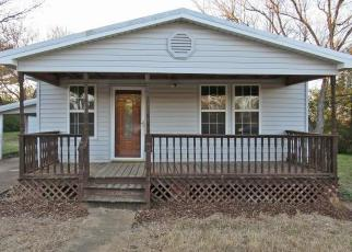 Foreclosed Home in Tuscumbia 35674 FRANKFORT RD - Property ID: 4339193364