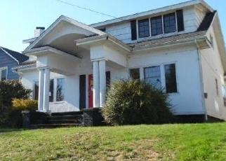 Foreclosed Home in North Bend 97459 STANTON AVE - Property ID: 4339232796