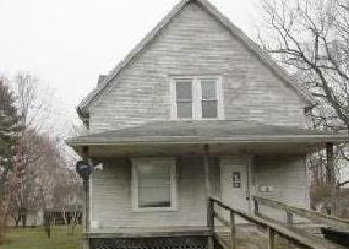 Foreclosed Home in Villa Grove 61956 1ST ST - Property ID: 4339368111