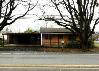 Foreclosed Home in Roseburg 97471 CARNES RD - Property ID: 4339378633