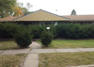 Foreclosed Home in Riverdale 60827 S TRACY AVE - Property ID: 4339448260