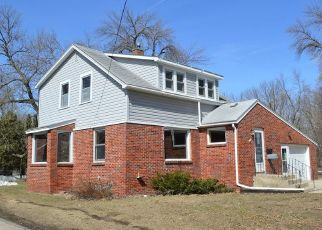 Foreclosed Home in Mason City 50401 N TAYLOR AVE - Property ID: 4339483300