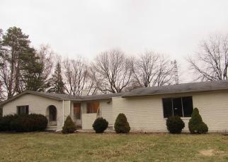 Foreclosed Home in Flint 48532 MAPLEKREST DR - Property ID: 4339544625