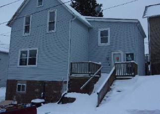 Foreclosed Home in Dubuque 52001 W 8TH ST - Property ID: 4339835884