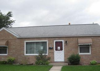 Foreclosed Home in Roseville 48066 WOODMONT ST - Property ID: 4339856910