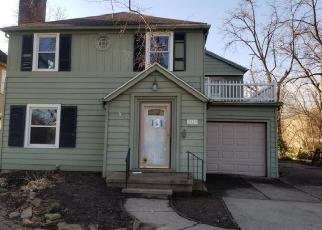 Foreclosed Home in Toledo 43606 WENDOVER DR - Property ID: 4339952372