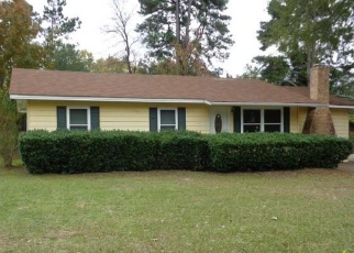 Foreclosed Home in Daingerfield 75638 LINDSEY ST - Property ID: 4339999236