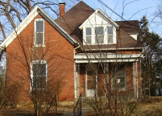 Foreclosed Home in Murphysboro 62966 LUCIER ST - Property ID: 4340110935