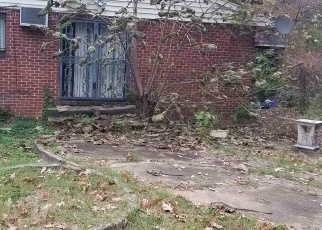 Foreclosed Home in Memphis 38116 GRAVES RD - Property ID: 4340270344