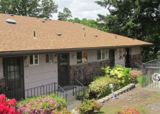 Foreclosed Home in Roseburg 97470 SE COURT AVE - Property ID: 4340642182