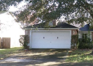 Foreclosed Home in Apopka 32712 SMOKETREE CIR - Property ID: 4340652703