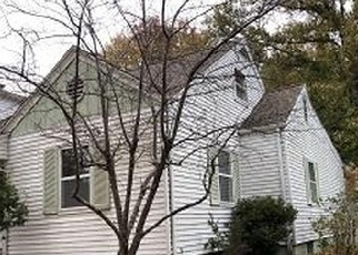 Foreclosed Home in Du Quoin 62832 S LAUREL AVE - Property ID: 4341042493