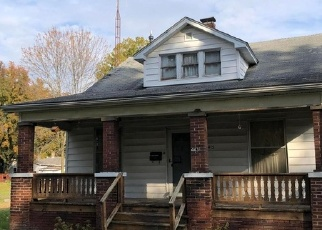 Foreclosed Home in Centralia 62801 N HIGH ST - Property ID: 4341061772