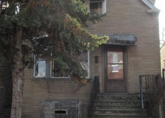 Foreclosed Home in Chicago 60636 W 72ND ST - Property ID: 4341072724