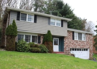 Foreclosed Home in Pittsburgh 15235 CALMONT DR - Property ID: 4341217689