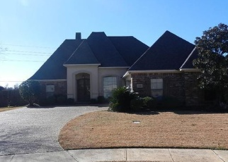 Foreclosed Home in Shreveport 71106 LOVELAND CT - Property ID: 4341346451