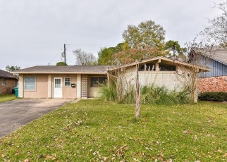 Foreclosed Home in Seabrook 77586 DOLPHIN DR - Property ID: 4341540916