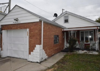 Foreclosed Home in Harwood Heights 60706 N NEWLAND AVE - Property ID: 4341662666