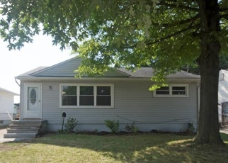Foreclosed Home in Brook Park 44142 MORROW DR - Property ID: 4342157578