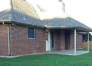 Foreclosed Home in Burleson 76028 MATTHEW ST - Property ID: 4342528996