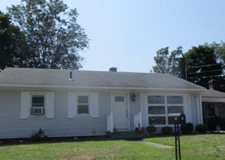 Foreclosed Home in Acushnet 02743 WESTLAND ST - Property ID: 4342567518