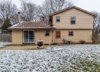 Foreclosed Home in Waukesha 53188 CANTERBURY LN - Property ID: 4343060233