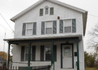 Foreclosed Home in Bridgeport 06607 DEACON ST - Property ID: 4343142134