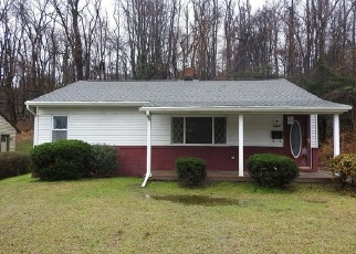 Foreclosed Home in North Versailles 15137 FOSTER RD - Property ID: 4343221860