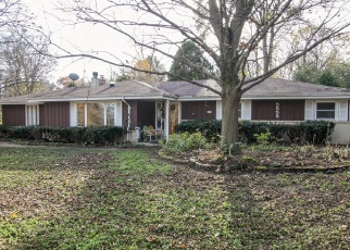 Foreclosed Home in New Berlin 53146 S OVERLOOK DR - Property ID: 4343382145