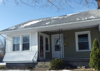 Foreclosed Home in Winchester 47394 S CLEM ST - Property ID: 4343549904